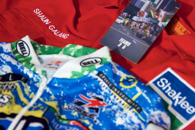 The mechanics jumpsuit, team jersey and race credentials from Team Shaklee and the USPro Cycling Championships in Philadelphia - 1999.